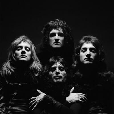 Queen-II-veils